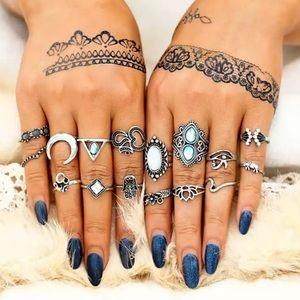 1 LEFT Beautiful ring set💜